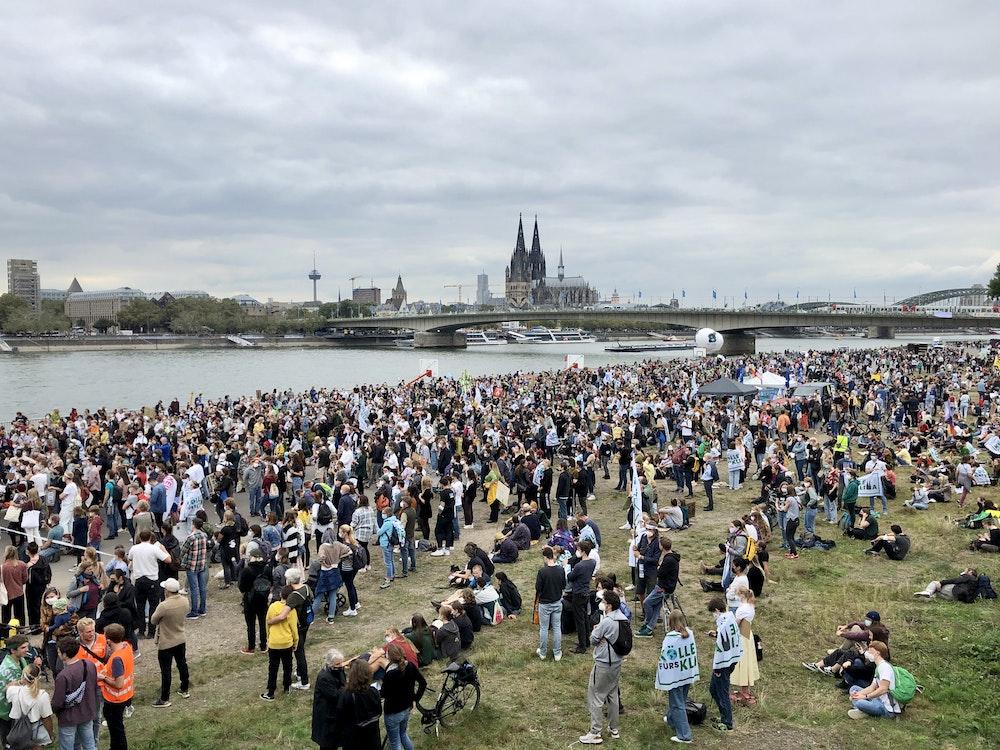 Demo von Fridays for Future an der Deutzer Werft in Köln.