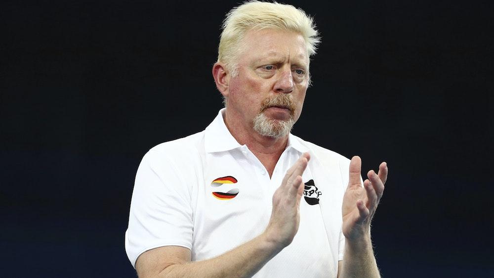 Wimbledon-Sieger Boris Becker klatscht auf einem Tennismatch beim ATP Cup am 7. Januar 2021.