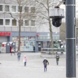 Videokamera am Wiener Platz in Köln.