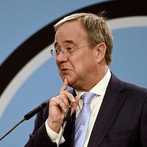Armin Laschet (CDU), hier bei einem Wahlkampftermin am 18. September 2021, gerät immer mehr unter Druck.