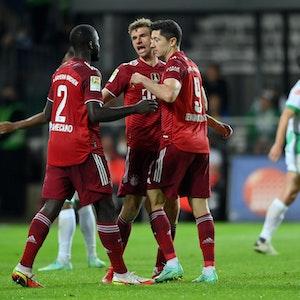 Die Bayern-Profis jubeln gegen Greuther Fürth