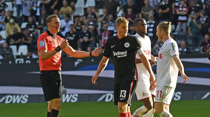 Der 1. FC Köln spielt bei Eintracht Frankfurt.