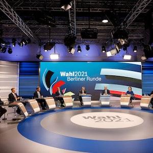 """Die Spitzenkandidatinnen und Spitzenkandidaten der Parteien nahmen am 26. September 2021 an der """"Berliner Runde"""" in ARD und ZDF teil und diskutierten darüber, wie es nach der Bundestagswahl jetzt weiter gehen soll."""