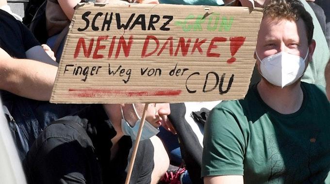 Junge Wählerinnen und Wähler am 3. September bei einem Wahlkampfauftritt der Grünen in Aachen.