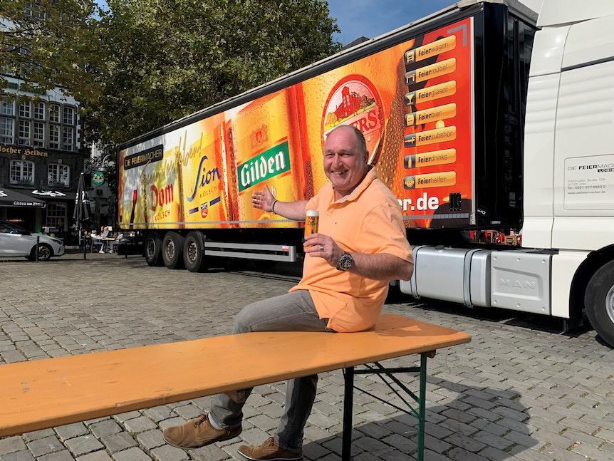 Ralf Schlegelmilch von den Feiermachern auf dem Kölner Heumarkt