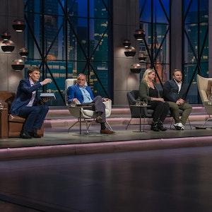 Die Höhle der Löwen (Vox-Ausstrahlung 27.9.2021) mit Carsten Maschmeyer, Georg Kofler, Gast-Juroren Anne und Stefan Lemcke, Dagmar Wöhrl, Ralf Dümmel (v.l.)