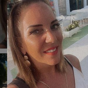 Mallorca-Auswanderin Danni Büchner lächelt auf einem Instagram-Selfie vom 11. Juli 2021 in die Kamera.