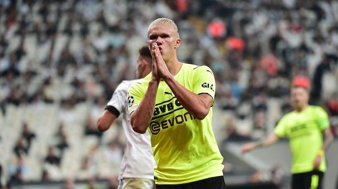 Dortmunds Erling Haaland jubelt nach seinem Tor zum 0:2 gegen Besiktas Istanbul