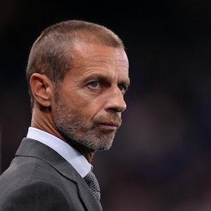 Aleksander Ceferin von der UEFA guckt kritisch.
