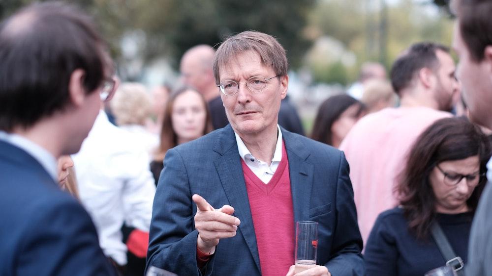 SPD-Gesundheitsexperte Karl Lauterbach, hier am 26. September 2021 in Köln, plädiert für die für Legalisierung von Straßencannabis.