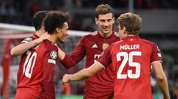 Robert Lewandowski, Leroy Sane, Leon Goretzka und Thomas Müller jubeln beim 5:0-Sieg von Bayern München in der Champions League