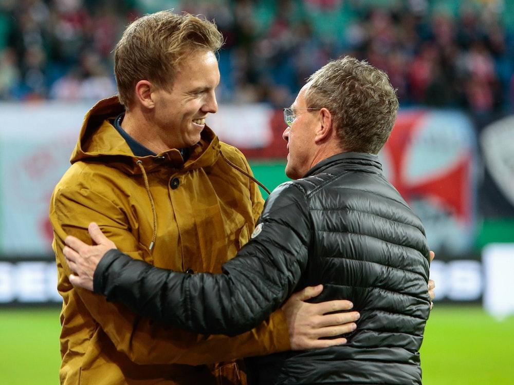 Julian Nagelsmann und Ralf Rangnick nehmen sich in den Arm