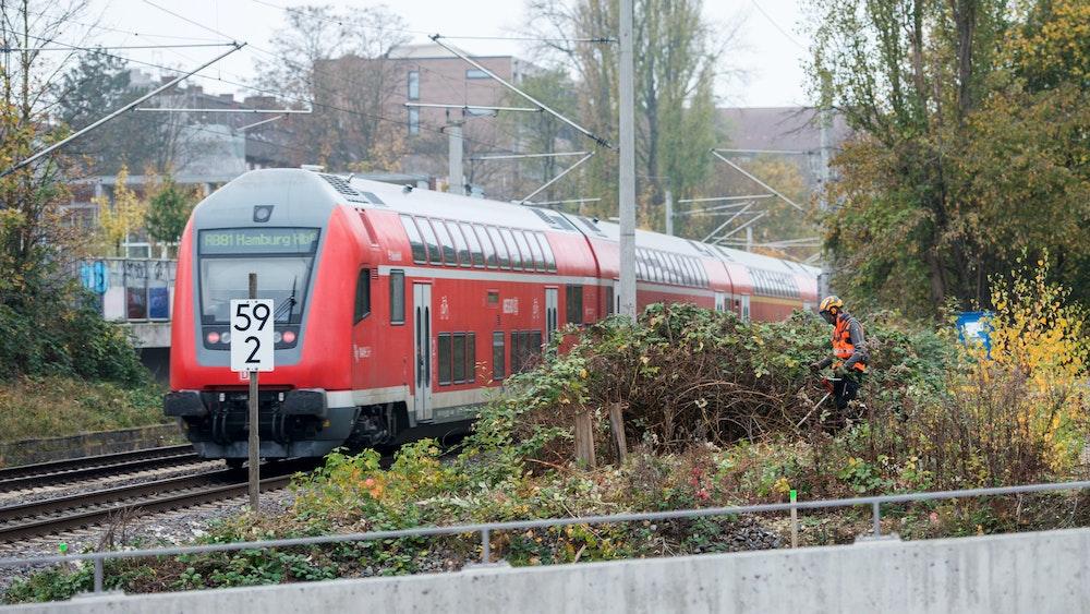 Zu dem Pfefferspray-Vorfall kam es in einer Regionalbahn von Osnabrück nach Münster. Dabei wurde ein 82-Jähriger mit Pfefferspray verletzt. Unser Symbolfoto zeigt eine S-Bahn in Hamburg.