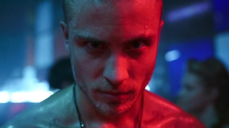 """Schauspieler Jannik Schümann als Eric Stehfest in dem Film """"9 Tage wach"""""""