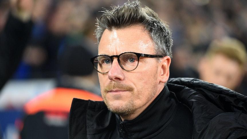Gladbach-Scout Steffen Korrell verfolgt im Januar 2020 Gladbachs Spiel auf Schalke.