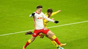 Dennis Borkowski im Einsatz gegen den 1. FC Köln am 13. Spieltag.