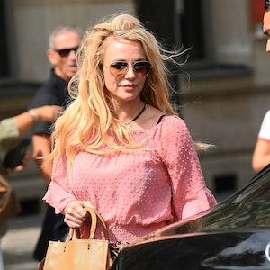 Britney Spears (hier 2018 in Paris) feiert ihren Sieg gegen ihren Vater mit Nacktfotos.