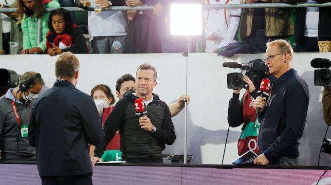 Bundestrainer Hansi Flick im Interview mit Lothar Matthäus und Florian König bei RTL.