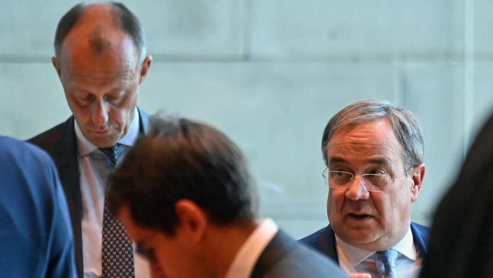 Armin Laschet (re.) und Friedrich Merz, CDU-Bundestagsabgeordneter am 28. September 2021 in Berlin.