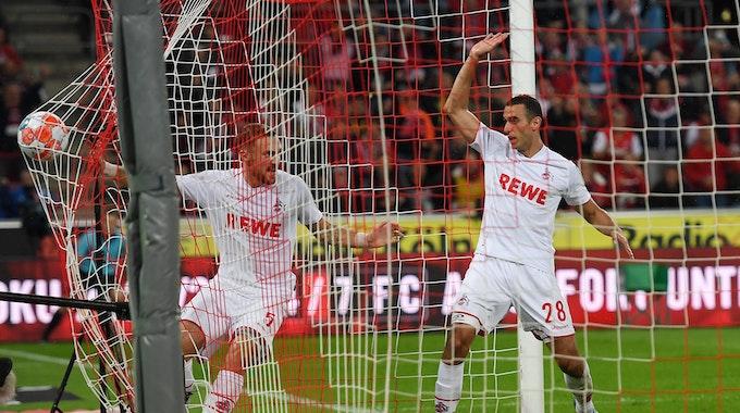 Rafael Czichos und Ellyes Skhiri spielen für den 1. FC Köln gegen Greuther Fürth.
