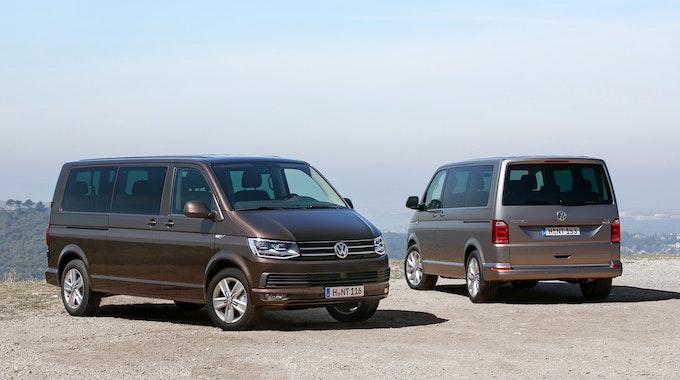 Der VW-Bus T6, hier ein Foto vom 22. Juni 2021, muss in die Werkstatt. Der Autobauer ruft 67.400 Fahrzeuge in Deutschland zurück.