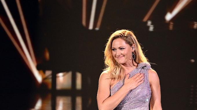 """Sängerin Helene Fischer steht bei der TV-Spendengala """"Ein Herz für Kinder"""" auf der Bühne. Der Schlagerstar hat bekanntgegeben, dass sie ihr erstes Kind erwartet."""