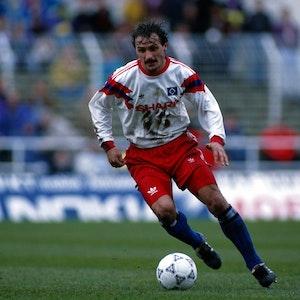 Jan Furtok (HSV) am Ball.