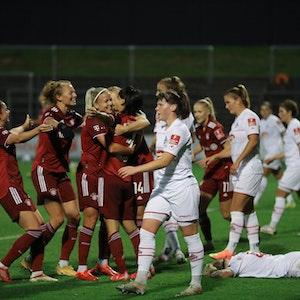 Der 1. FC Köln verliert in der Frauen-Bundesliga gegen den FC Bayern München.