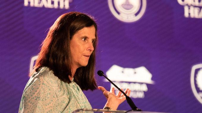 Lisa Baird bei einer Rede