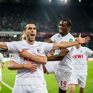 Ellyes Skhiri jubelt für den 1. FC Köln gegen Greuther Fürth.