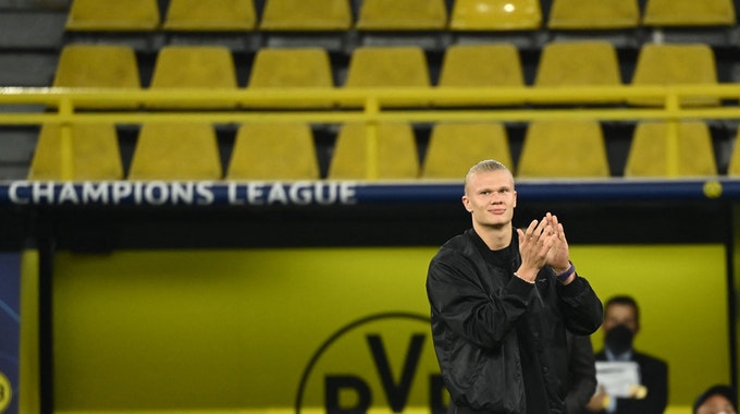 Erling Braut Haaland wurde in Dortmund von der UEFA als bester Stürmer ausgezeichnet.