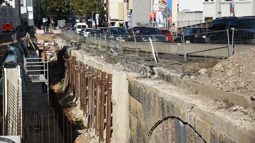 Die Bonner Viktoriabrücke ist noch eine große Baustelle.