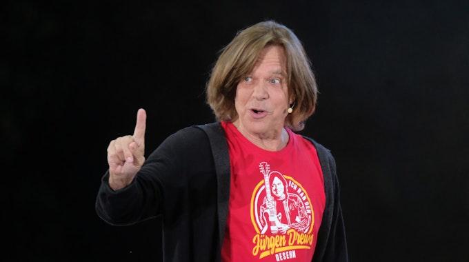 Jürgen Drews singt im Juli 2019 im Innenhof von Schloss Klaffenbach auf der Bühne.