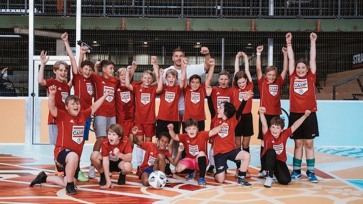 Das Strassenkicker.Camp von Lukas Podolski in den Sommerferien 2021 in Köln-Mülheim.