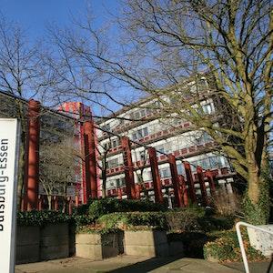 Das Gebäude der Universität Duisburg-Essen am 30.12.2015 in Essen.