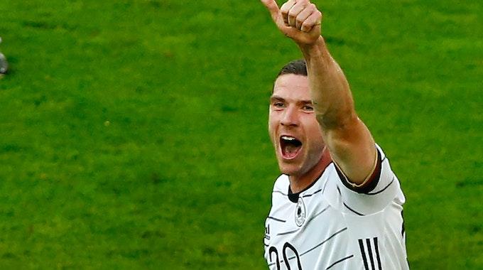Robin Gosens jubelt über sein Tor im Länderspiel gegen Lettland.