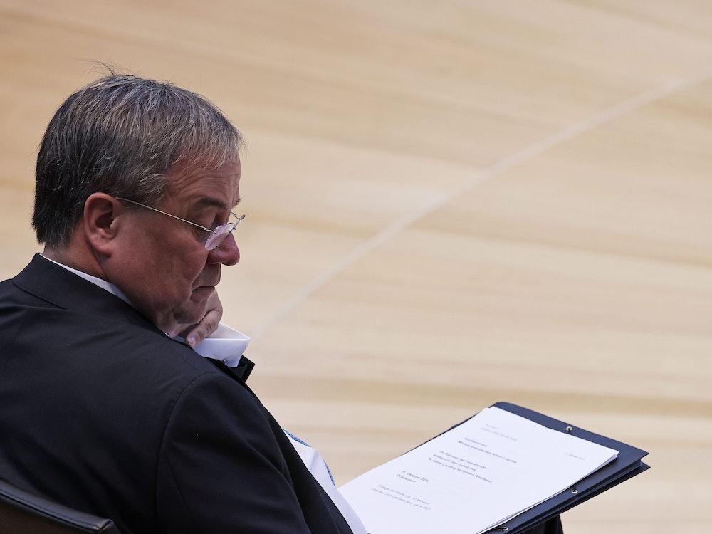 Armin Laschet (hier am 6. Oktober 2021 im NRW-Landtag) dürften die Aussagen von Altmaier nicht schmecken.