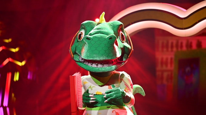 """""""The Masked Singer"""" 2021: Die Spielregeln sind einfach, die Kostüme aufwendig. Unser Bild vom Dinosaurier wurde während der 4. Staffel 2021 geschossen."""