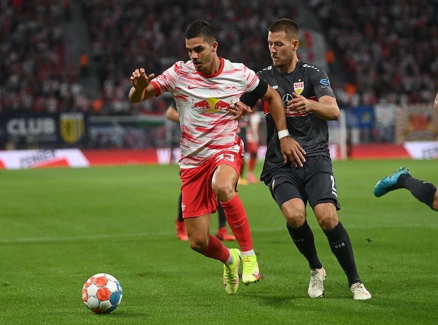 Stürmerstar André Silva (l.) dürfte zu den Großverdienern bei RB zählen.