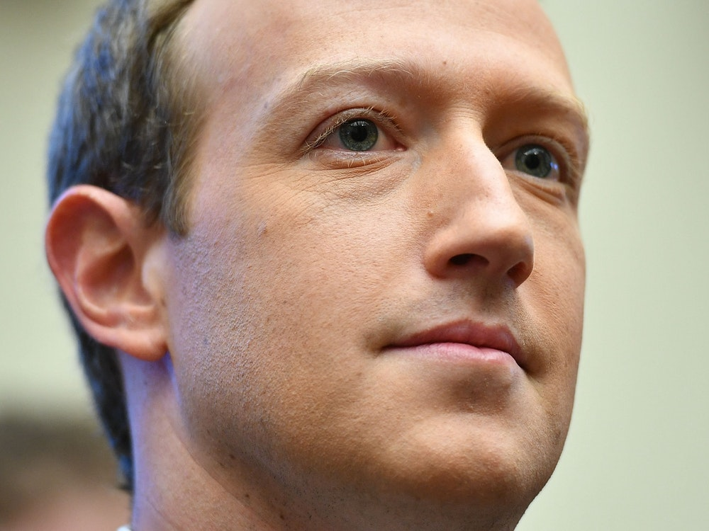 Facebook-Chef Mark Zuckerberg weist Profitgier-Vorwürfe gegen Facebook von sich.
