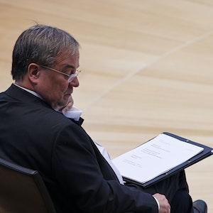 Armin Laschet (CDU, hier am 2. Oktober in Düsseldorf während der Feierstunde zum 75-jährigen Bestehen des nordrhein-westfälischen Landtags) will wohl einen personellen Neuanfang innerhalb seiner Partei einleiten.