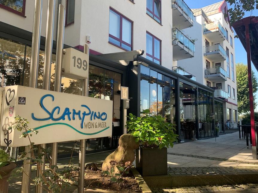 Außenansicht des Restaurants Scampino in Köln-Mülheim.