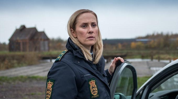 """Szene aus dem ARD-Krimi """"Rauhnächte"""": Polizistin Ida Sörensen (Marlene Morreis) setzt alles daran, ihren fatalen Fehler gutzumachen."""