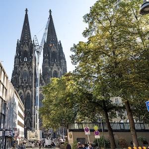 Köln: Erstmals seit 10 Jahren ist der Kölner Dom ohne Baugrüst zu bewundern.
