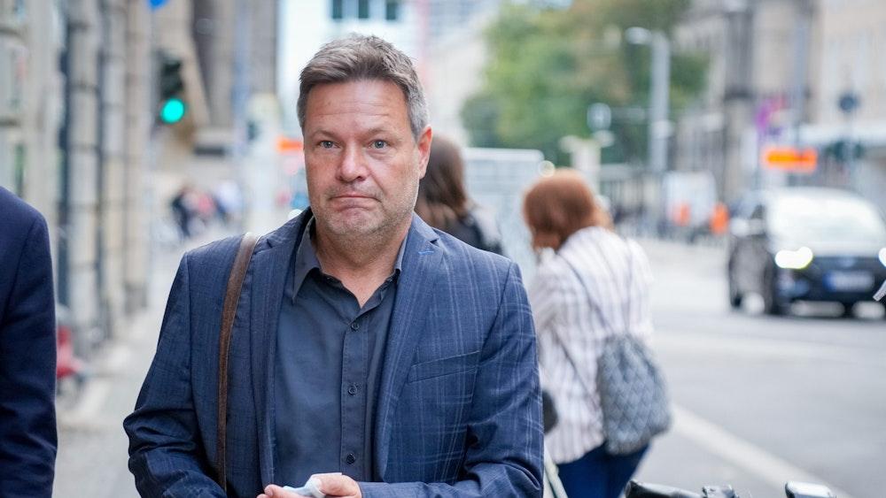 Robert Habeck (hier am 3. Oktober 2021 in Berlin) hat sich zum Stand der Sondierung geäußert.