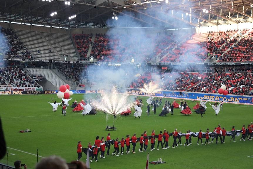 Feiern mit 3G: Der SC Freiburg eröffnet gegen St. Pauli sein Stadion