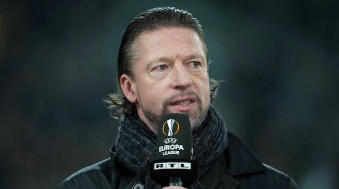 Steffen Freund bei einem Kommentatoren-Einsatz für RTL.