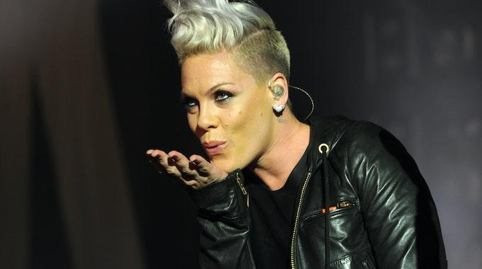 Die Sängerin Pink (hier zu sehen im Februar 2012 in München) kann von einem bestimmten deutschen Getränk nicht genug bekommen.