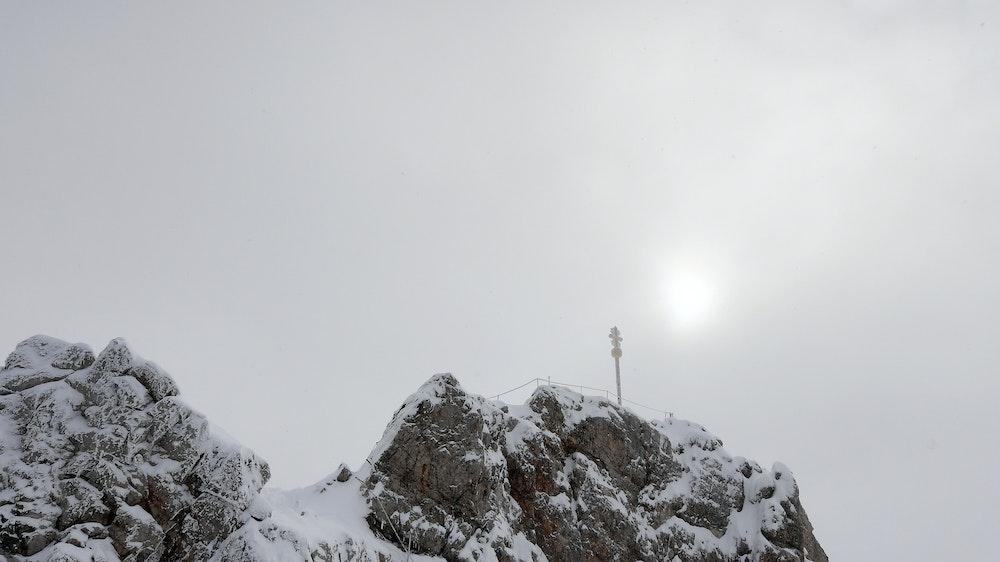 Zugspitze mit leichter Schneedecke