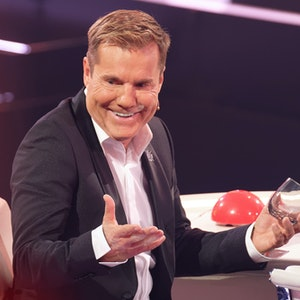 """Dieter Bohlen sitzt beim Finale der RTL-Castingshow """"Das Supertalent 2019"""" hinter dem Jury-Pult."""